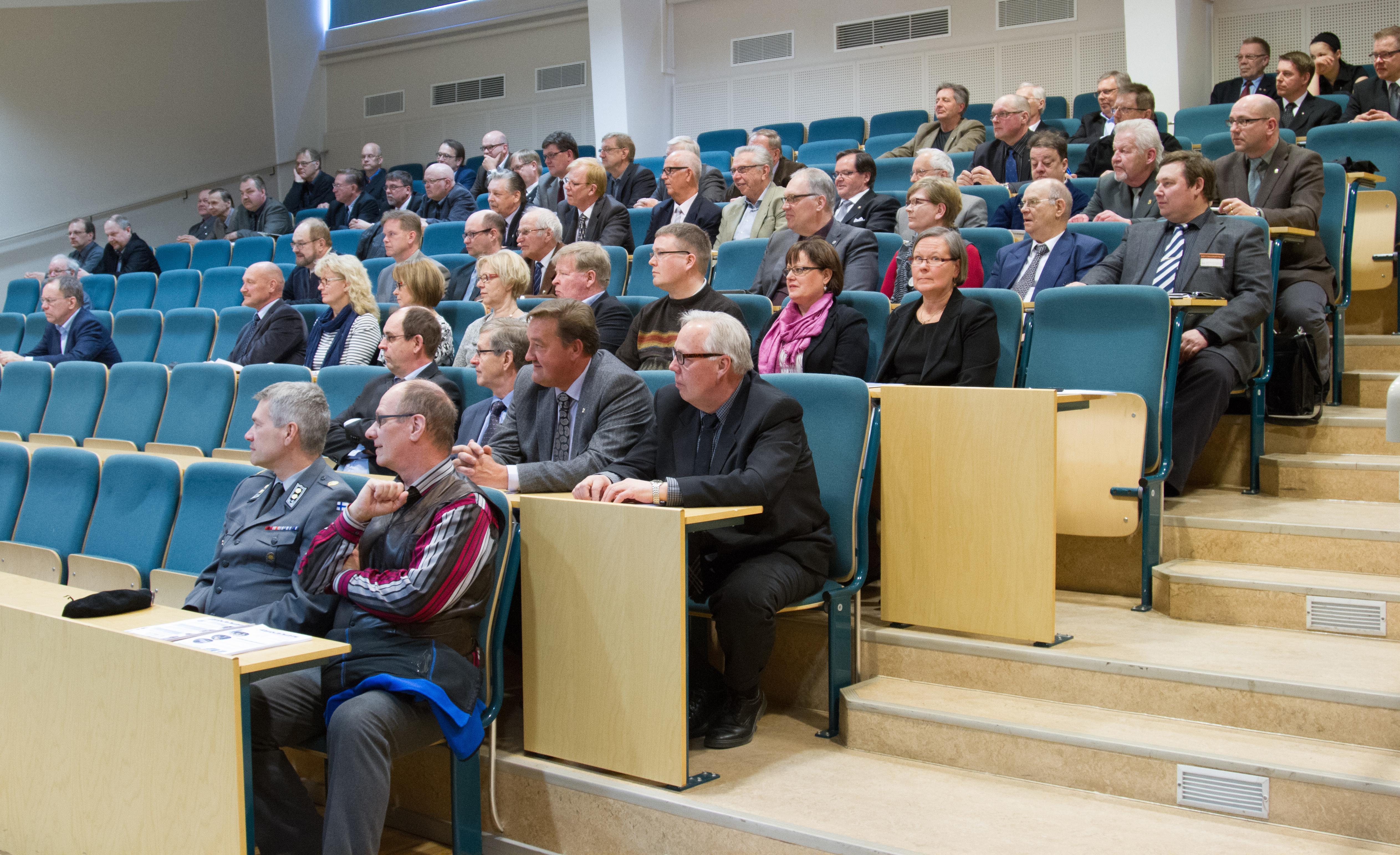 Kokoukseen osallistui 14 pirkanmaalaista.