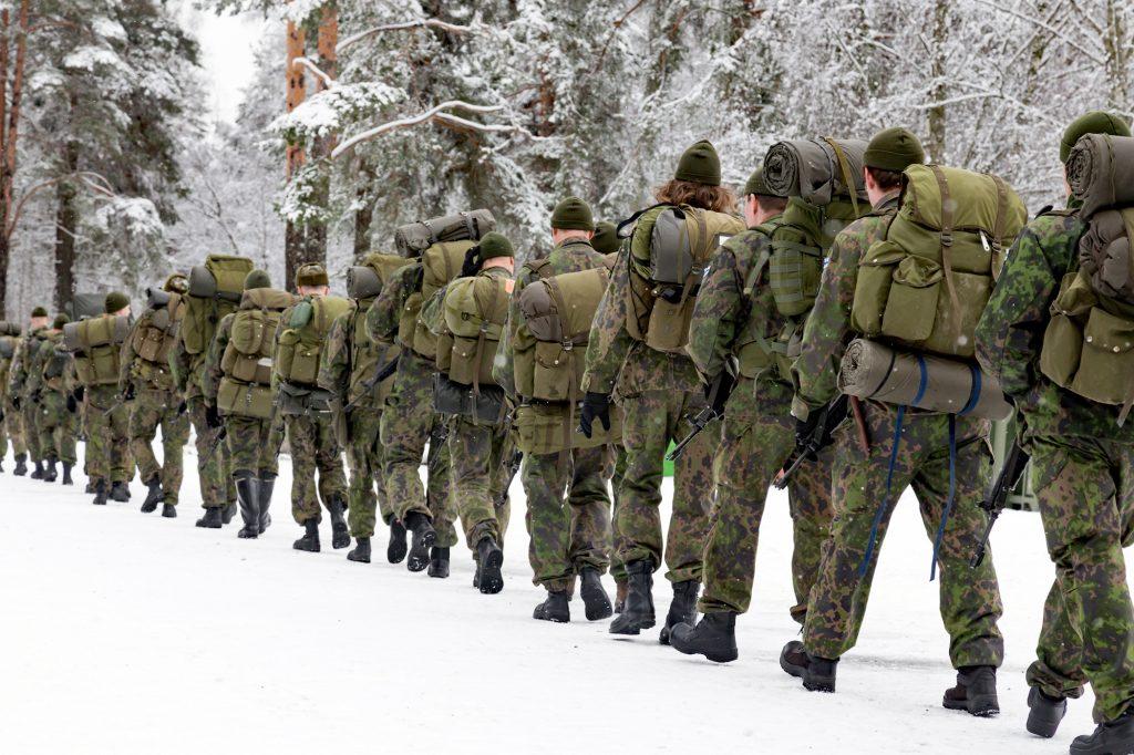 Maakuntakomppania lähdössä Pajarin marssille.
